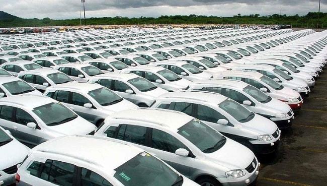 Mercado de carro novo tem pequena melhora