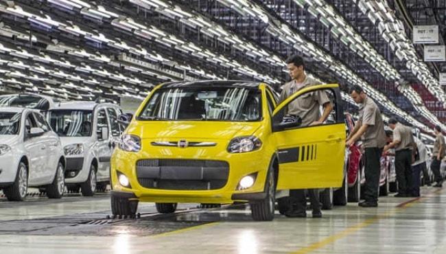 Fiat começa a montar automóveis em Pernambuco