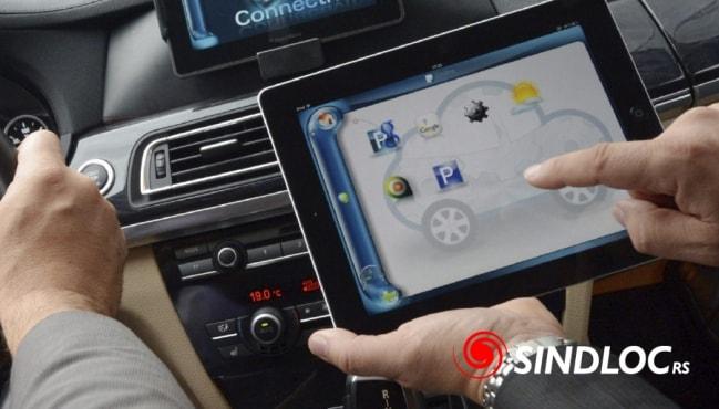 Estudo afirma que conectividade de carros ameaçam privacidade dos usuários