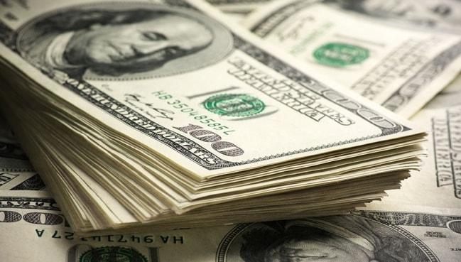 Dólar amplia queda mesmo após TCU rejeitar contas do governo