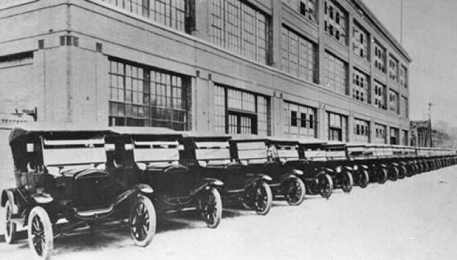 Primeira linha Ford no Brasil completa 97 anos