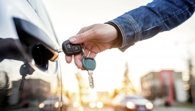 Veículos de locadoras só poderam ser vendidos após um ano de uso
