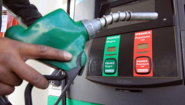 Governo dobra imposto sobre a gasolina e aumento chega a quase R$0,50